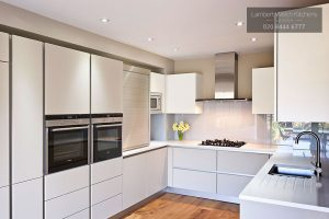 Woodside Avenue - Modern Kitchen in London