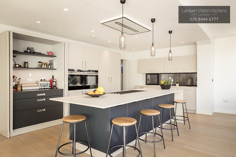 How To Have A Modern Kitchen In Traditional Homes